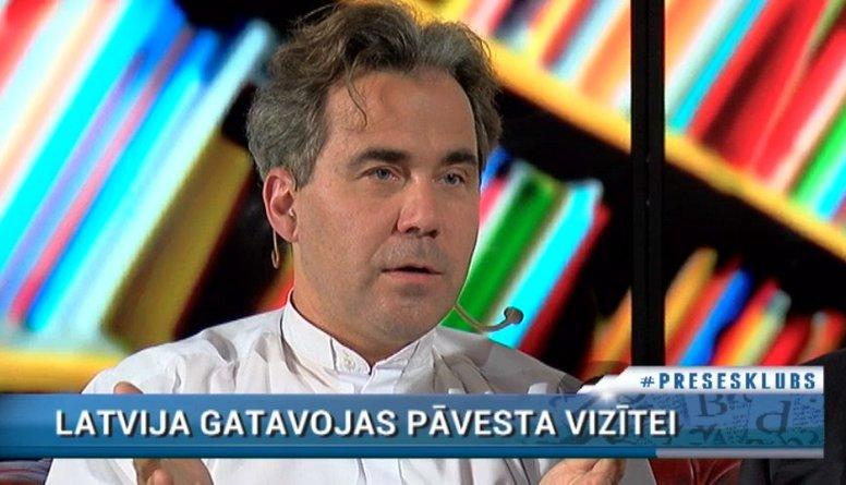 Mācītājs Krists Kalniņš uzsver, ka primāri pāvests  ierodas uz Latvijas simtgadi