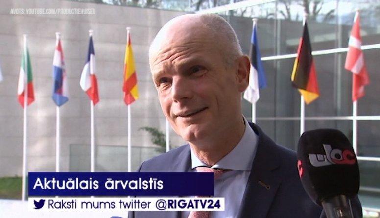 Nīderlandes ārlietu ministram par izteikumiem migrācijas jautājumā draud amata zaudēšana