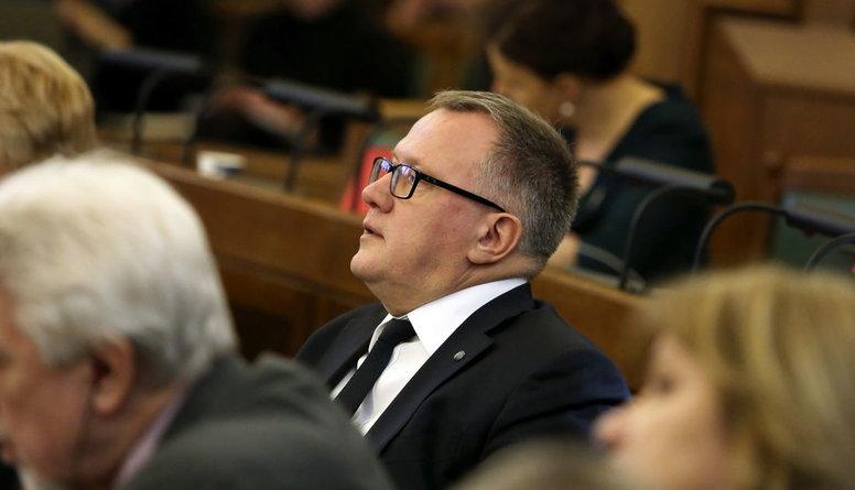 """""""Tas izskatās pēc populisma.."""" - Saeima nobalso par steidzamu OIK atcelšanu"""