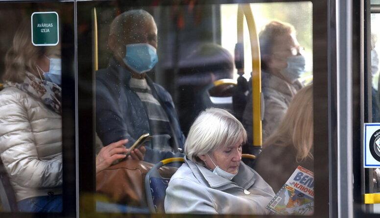 Jurijs Perevoščikovs atgādina, kāpēc arī veseliem cilvēkiem ir jānēsā sejas maskas