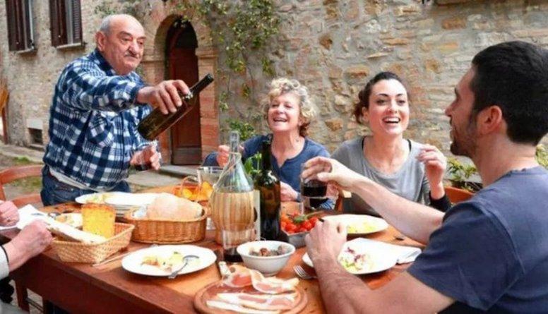 Itāļiem pusdienu un vakariņu laiks – svēta un stingri noteikta lieta