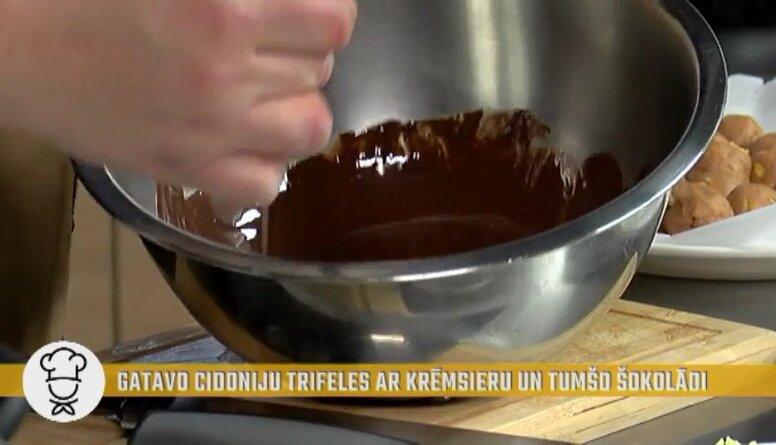 Padomi, kā kausējot šokolādi to nepiededzināt!