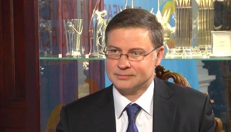 Dombrovskis nodokļu reformu vērtē negatīvi