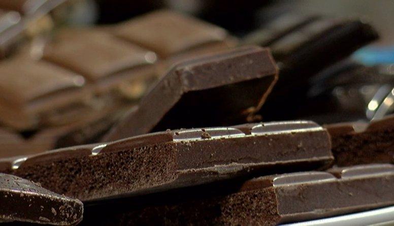 Kā ražo poraino šokolādi?