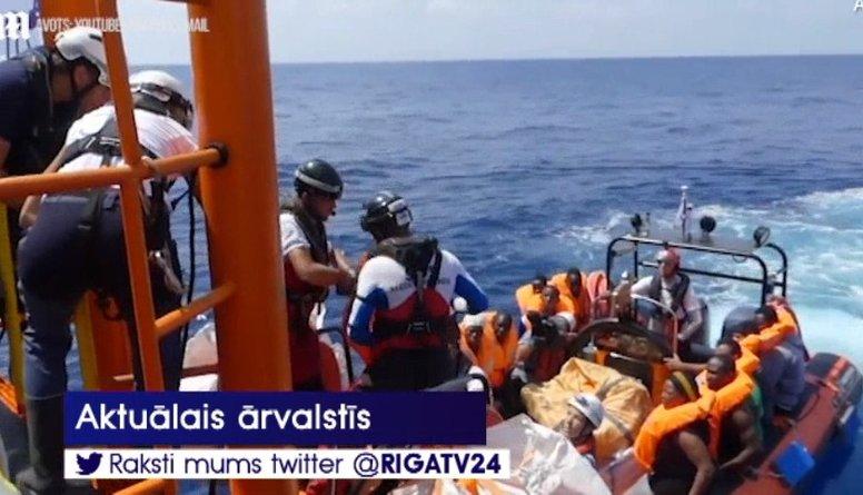 Itālija rosinās ES rotēt ostas, kurām jāuzņem migranti