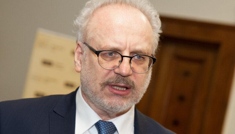 Viedoklis: Prezidents rīkojas drosmīgi, uzņemot Saeimai veltīto sitienu uz sevis