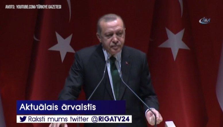 Turcijas prezidents kritizē Sorosu par palīdzību apcietinātajam turku filantropam