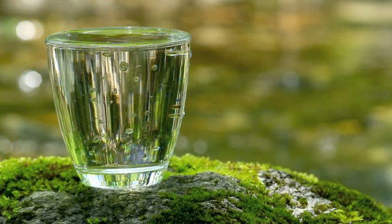 Cik vērtīgs un kvalitatīvs ir ūdens, kas iegūts no dziļurbuma?