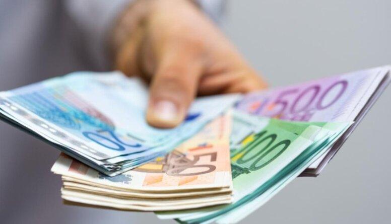 Kāpēc ātro kredītu devēji neprotestē pret likumu dzēst visus parādus?