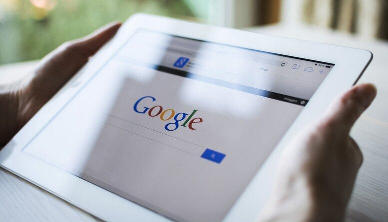 """Noskaidroti Latvijā gada meklētākie vārdi """"Google"""""""