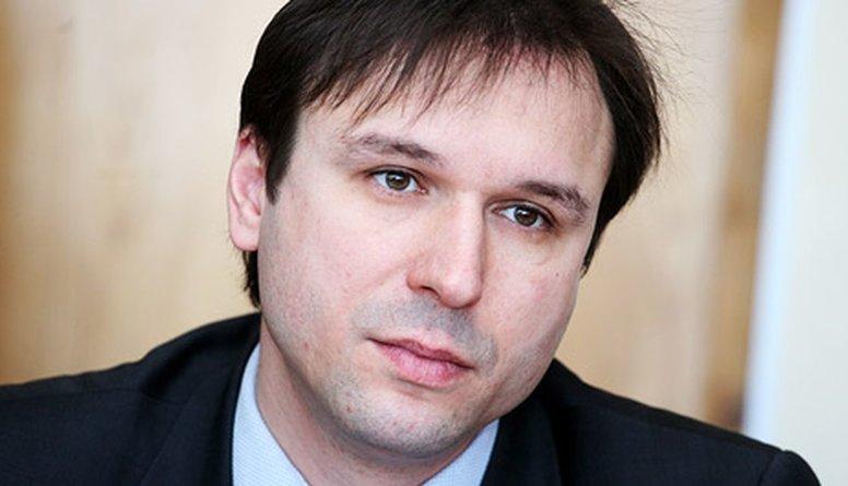 Viedoklis: Ja Brandavs sāks runāt, Ušakovs nonāks aiz restēm