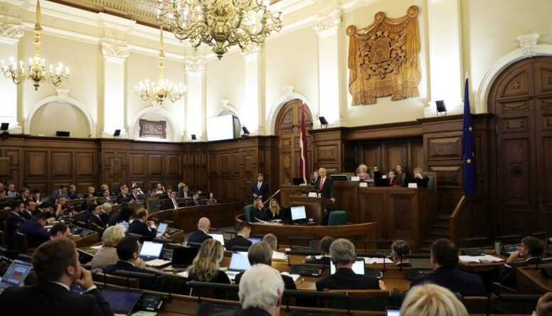 Keris: Valdības rīcība liecina par koruptīvu politisko praksi