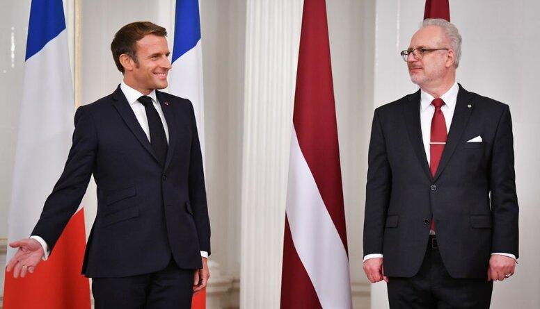 """Šmits: Makrons atbrauca pateikt - Krievija mums ir svarīga, jums ir jābeidz """"riet"""""""