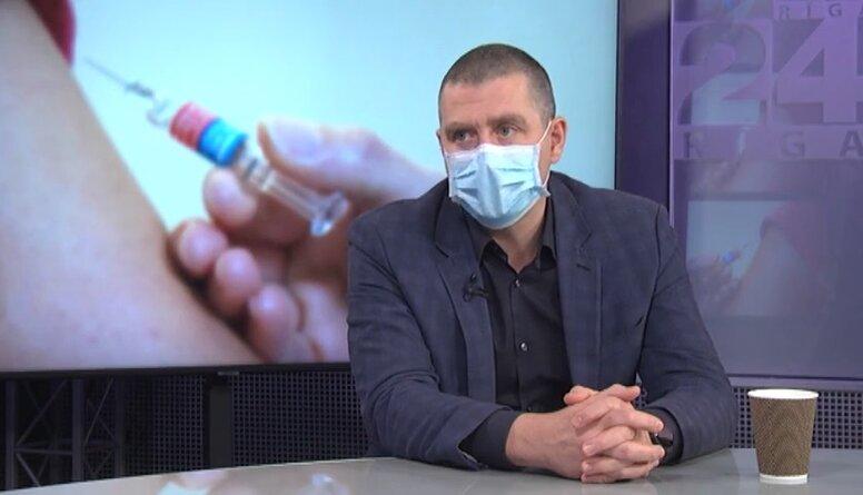 Vai ātrāka amatpersonu vakcinēšana pret Covid-19 ir pieņemama sabiedrībai?
