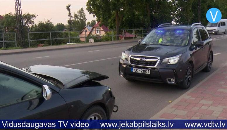 Policija pastiprināti kontrolē ceļu satiksmi