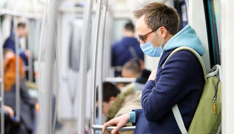 Aizsilniece: Covid-19 simptomu pazušana nenozīmē, ka koronavīruss ir izdalījies no ķermeņa
