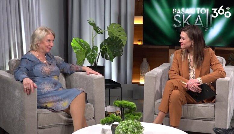 Ilze Jurkāne par to, kāpēc viņa spēlē golfu ar rozā bumbiņām: Es esmu tāda sena bārbija