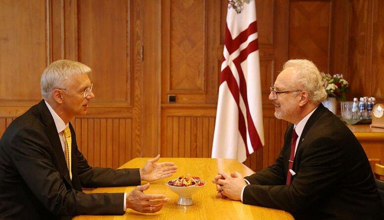 Premjers ir pārliecināts par prezidenta atbalstu, pauž Rajevskis