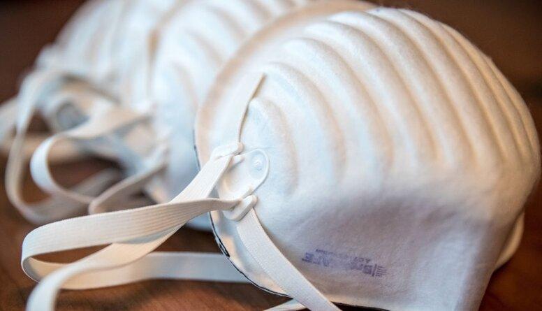 Zariņš: Nederīgo respiratoru iepirkuma dokumentos bija redzamas viltošanas pazīmes