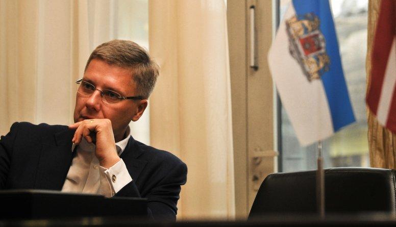 Nevar balstīties tikai uz emocijām - jābūt faktiem,  Zariņš par Ušakova atlaišanu