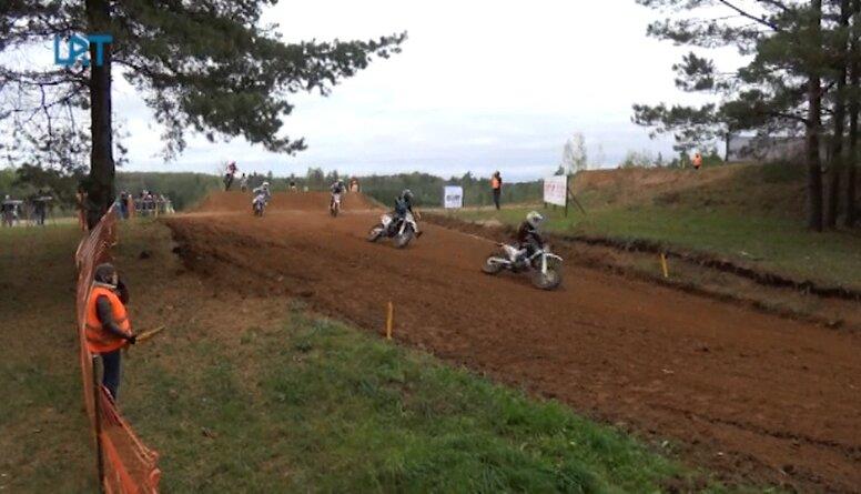 Dobelē izcīnīts Novadu komandu kauss motokrosā