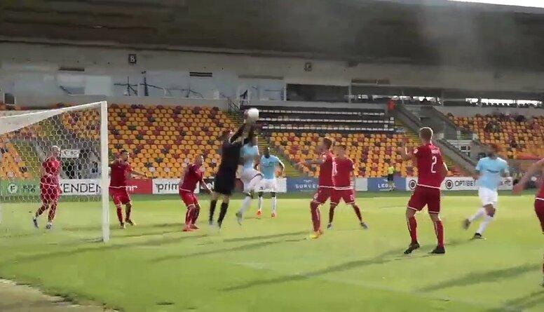 """""""Riga FC"""" spēles izskaņā dramatiski izglābjas pret """"Noah"""""""