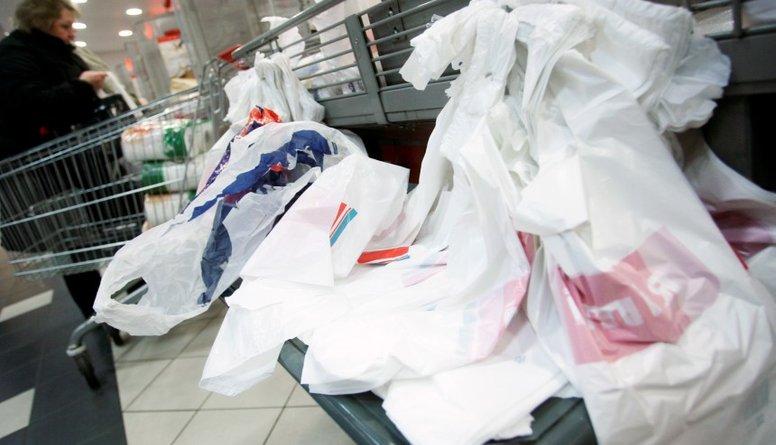Nākamgad veikalos vairs nebūs bezmaksas maisiņu