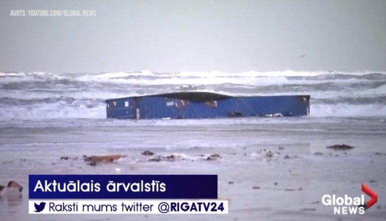 Ziemeļjūrā no kravas kuģa iekrituši ap 270 konteineru