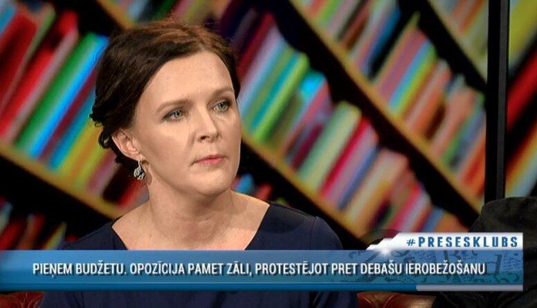 Stepaņenko par budžeta pieņemšanu: Starplaikos deputāti viens otram prasīja padomus, kā balsot