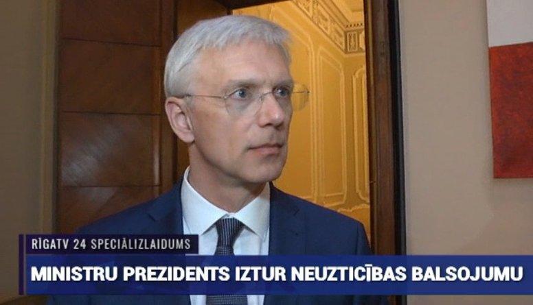 Ministru prezidents iztur neuzticības balsojumu