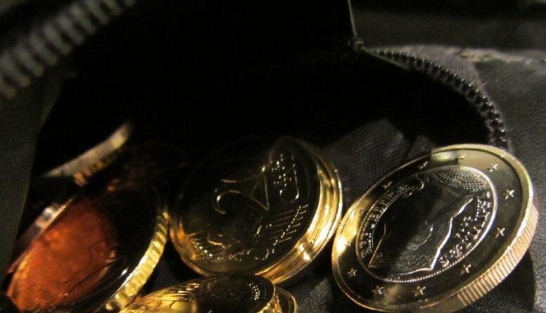 No 2021. gada plāno noteikt maznodrošinātā ienākumu slieksni - 297 eiro