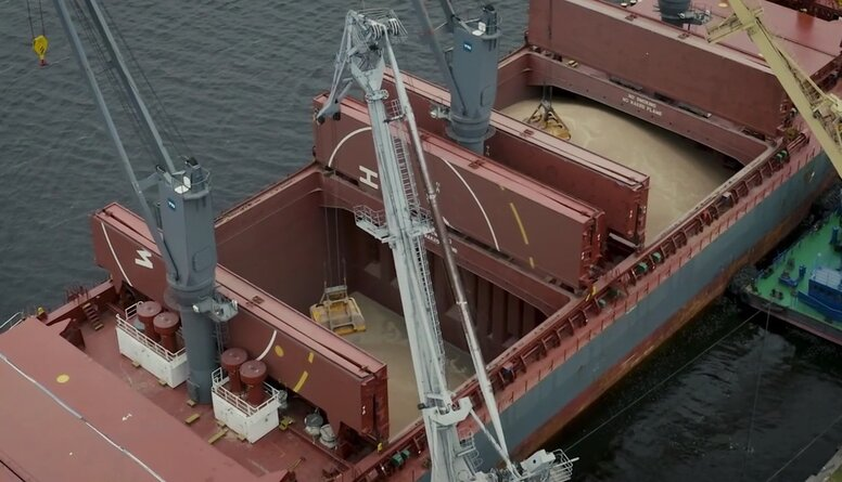 Septembrī Rīgas ostā pārkrauti 460 000 tonnu labības produktu, kas ir jauns graudu kravu rekords