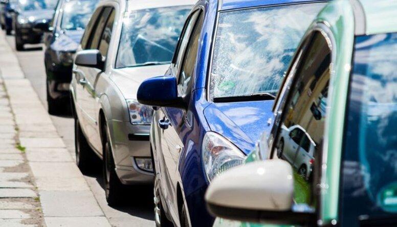Satiksmes ministrs skaidro jauno vieglā auto reģistrācijas nodokli