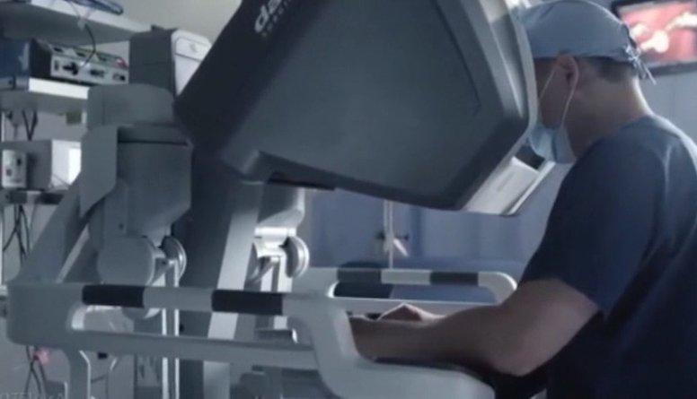 Interesanti: Roboti, kas veic medicīniskās operācijas