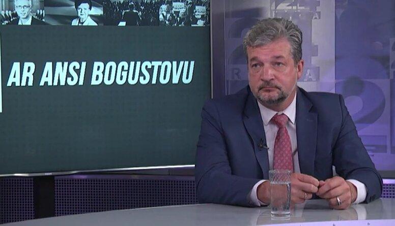 Zakatistovs: Valdība runās par saslimstības robežkritēriju paaugstināšanu no 16 uz 25