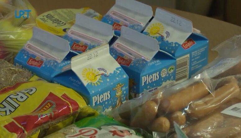 Rēzeknes novadā skolēniem izdala pārtikas pakas