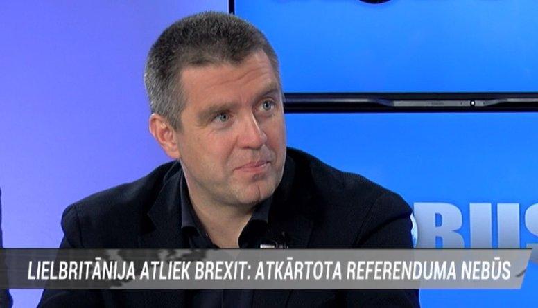 Starptautiskā politika iegūst no šī Brexit - pat skeptiķi sāk pieklust, vērtē politologs