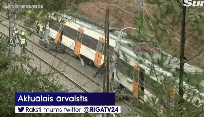Spānijā notikusi smaga vilciena avārija