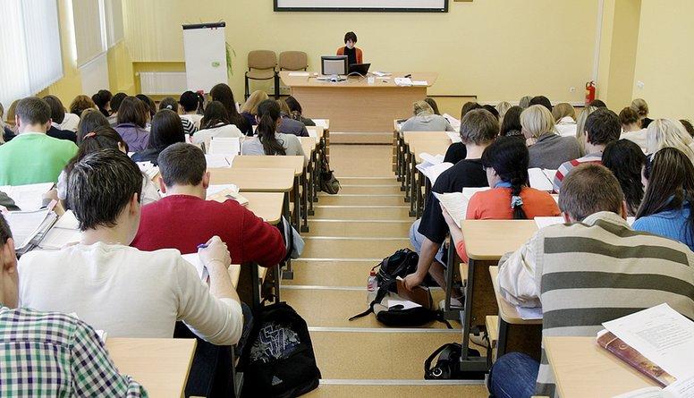 ST rosina lietu par normām, kas noteic augstskolās mācīties valsts valodā