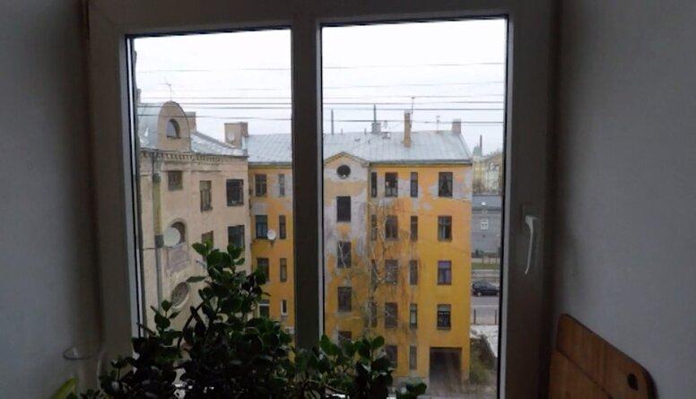 Kā ātri un droši nomazgāt logus?