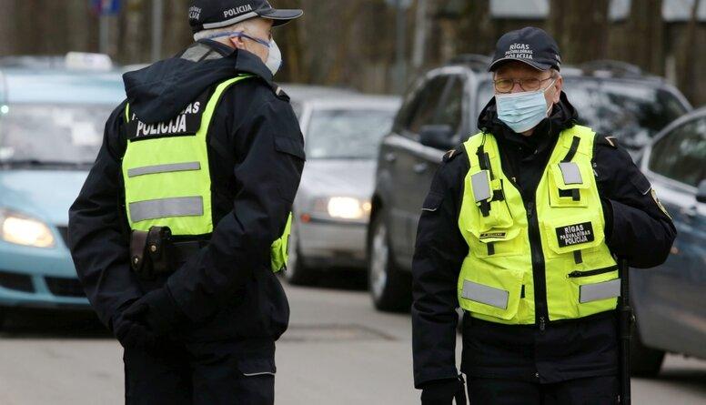 Kā policijai sokas ar iedzīvotāju uzraudzību pašizolācijas un karantīnas laikā?