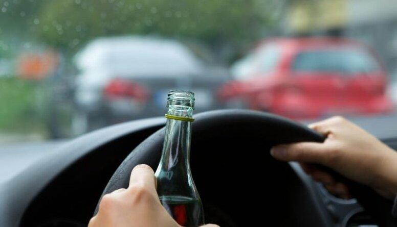 Dzērājšoferi uz ceļiem - kā risināt šo problēmu?