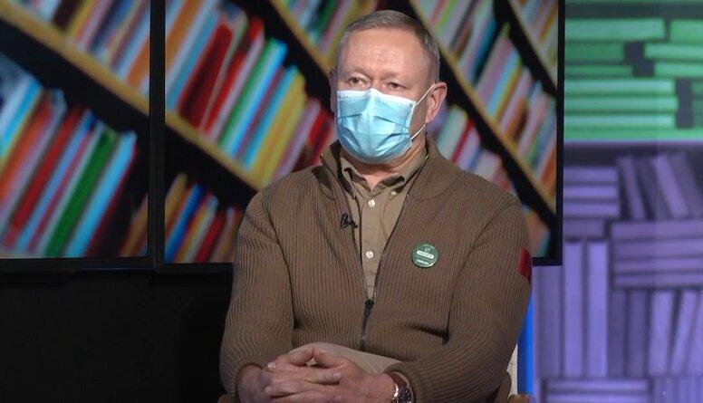 Rēvalds: Daudz lielāka iespēja ir nomirt autokatastrofā, nekā no vakcīnas izraisītām blaknēm