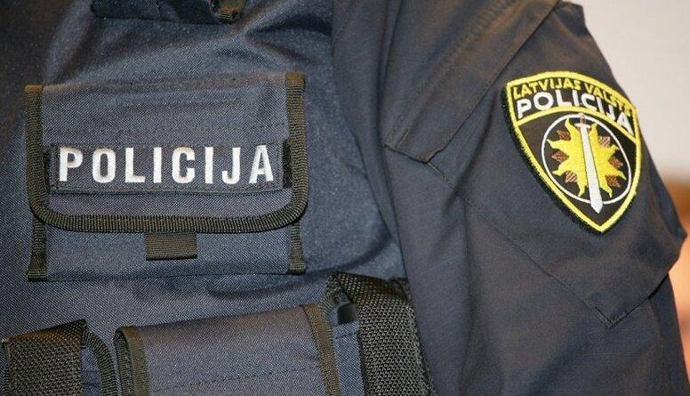 Izmeklēšanas nodaļā meitenes no skolas sola. Kas notiek ar iekšējo drošību Latvijā?
