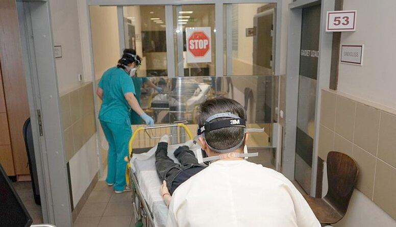 Smiltēns: Tie, kuri atsakās no Covid-19  testiem slimnīcās, ir bezatbildīgi cilvēki