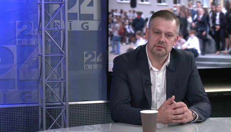 Česlavs Batņa: Mēs nodarbojamies ar mārketingu un pārpērkam pedagogus