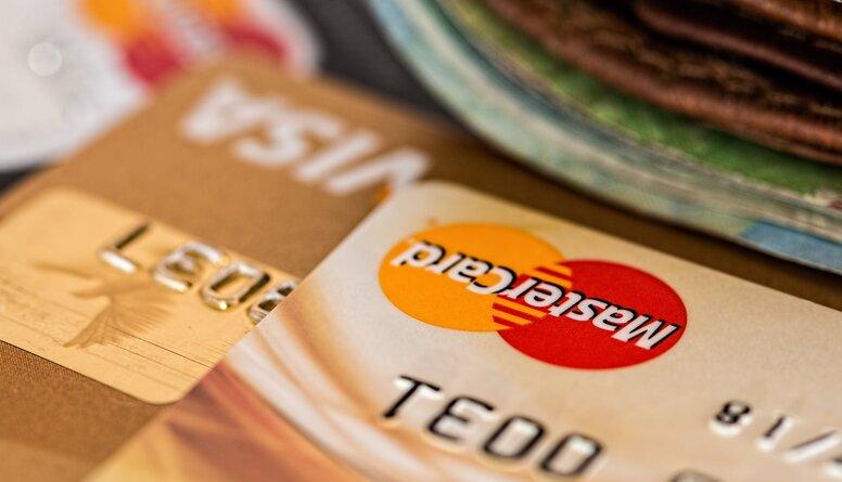Švecova: Pats kontroles dienests ir iebiedējis un licis bankām būt šausmīgi piesardzīgām
