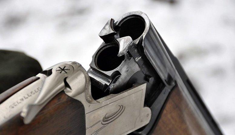 Saeima atļauj 16 gadus veciem jauniešiem medīt ar šaujamieroci