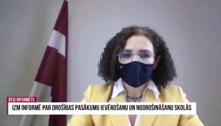 """Šuplinska par masku pretiniekiem: """"Parasti problēmas ir galvās un nez vai bērnu galvās"""""""