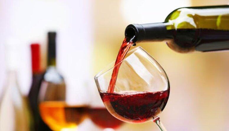 Ārsts Skride iesaka, cik daudz vīna drīkst lietot ikdienā